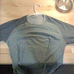 Lululemon Vent tech T shirt